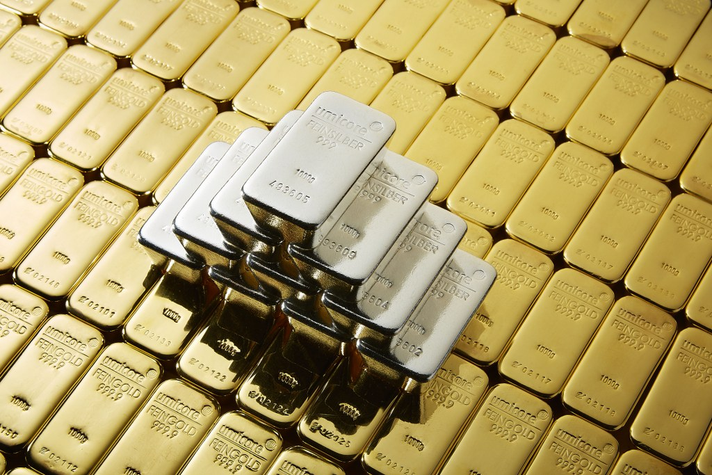 composition-of-gold-bars-and-stacked-silver-bars_internal_external-use_1024x683.jpg