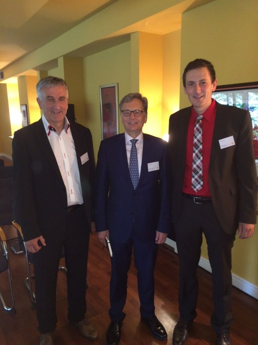 (von links)Josef Endl, Roman Lewszyk (Chief Executive Officer, Moventum), Tobias Endl